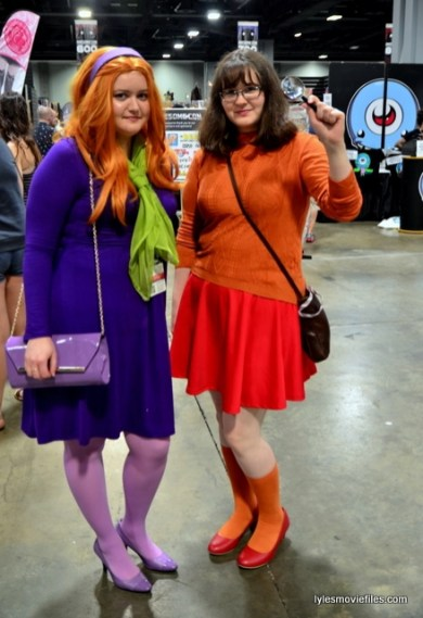 Awesome Con 2016 cosplay - Scooby Doo Dafney and Velma