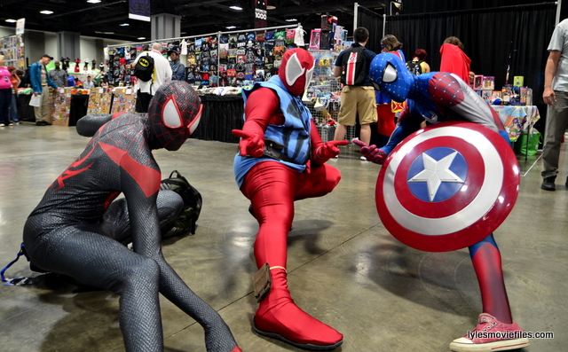 Awesome Con 2016 cosplay - Spider Man trio