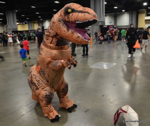 Awesome Con cosplay Day 2 -dino