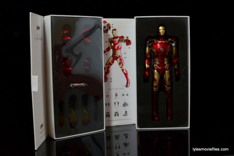 Iron Man Mark 43 Comicave Studios Omni Class Scale figure - inner package