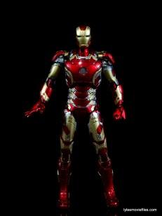 Iron Man Mark 43 Comicave Studios Omni Class Scale figure - straight