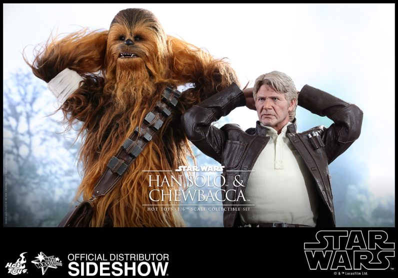 star-wars-the-force-awakens-han-and-chewbacca-sixth-scale-set-hot-toys-surrendering