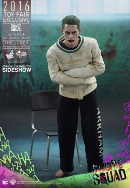 Hot Toys The Joker Arkham Asylum version -leaning over