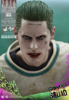 Hot Toys The Joker Arkham Asylum version -tight shot of face