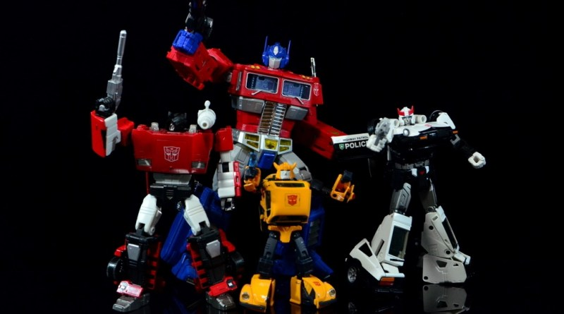 Transformers Masterpiece Takara Tomy Bumblebee review - Sideswipe, Optimus Prime, Bumblebee and Prowl posing