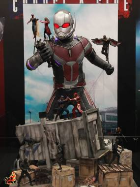 AGCHK 2016 - Hot Toys Civil War display