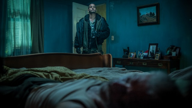 Don't Breathe review - Money goes into the room-min