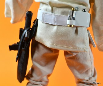 Hot Toys Luke Skywalker figure review - Stormtrooper belt back