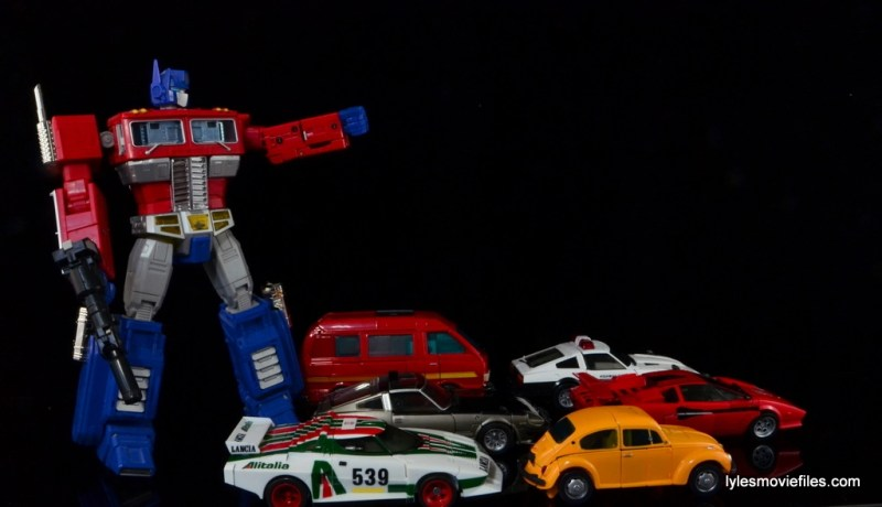 Transformers Masterpiece Ironhide figure review -rolling out with Bumblebee, Wheeljack, Bluestreak, Sideswipe and Prowl with Optimus Prime