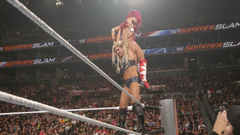 WWE SummerSlam 2016 - Charlotte vs Sasha Banks