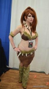 Baltimore Comic Con 2016 - Sarah Richelle as Nidalee long shot