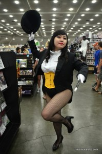 Baltimore Comic Con 2016 - Zatanna posing