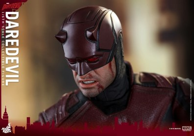 hot-toys-netflix-daredevil-figure-head-detail