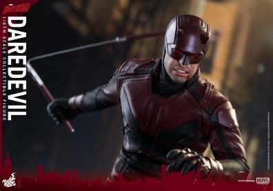 hot-toys-netflix-daredevil-figure-nunchuk-bloody-face
