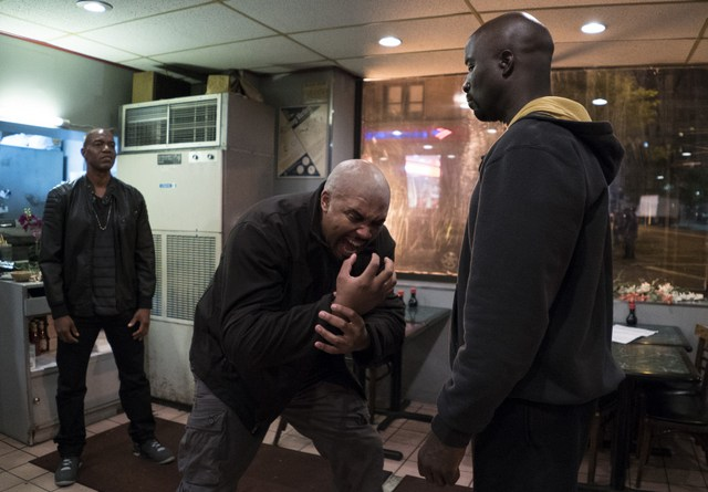 luke-cage-moment-of-truth-review-cage