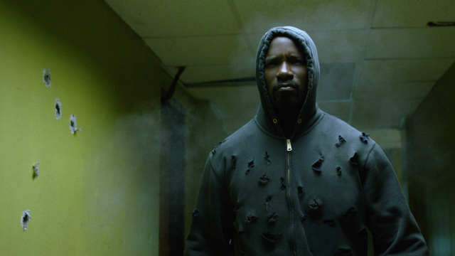luke-cage-whos-gonna-handle-the-weight-cage-in-shootout