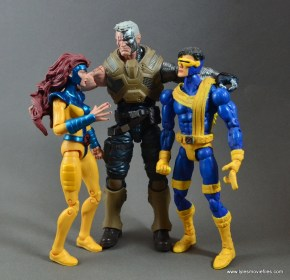 marvel-legends-cable-figure-review-scale-with-jean-grey-and-cyclops