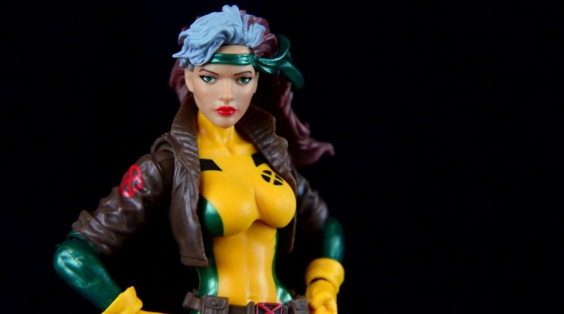 Marvel Legends Rogue figure review - main pic