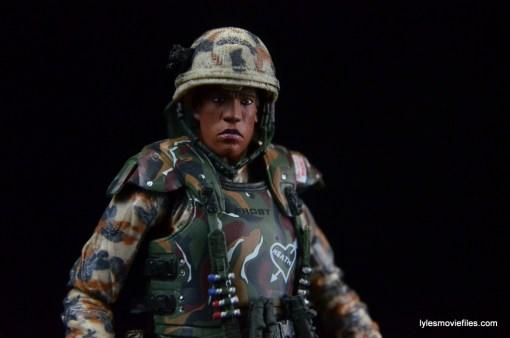 neca-aliens-series-9-frost-figure-review-helmet-on