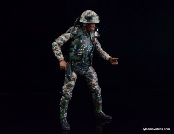 neca-aliens-series-9-frost-figure-review-side-shot-with-pistol