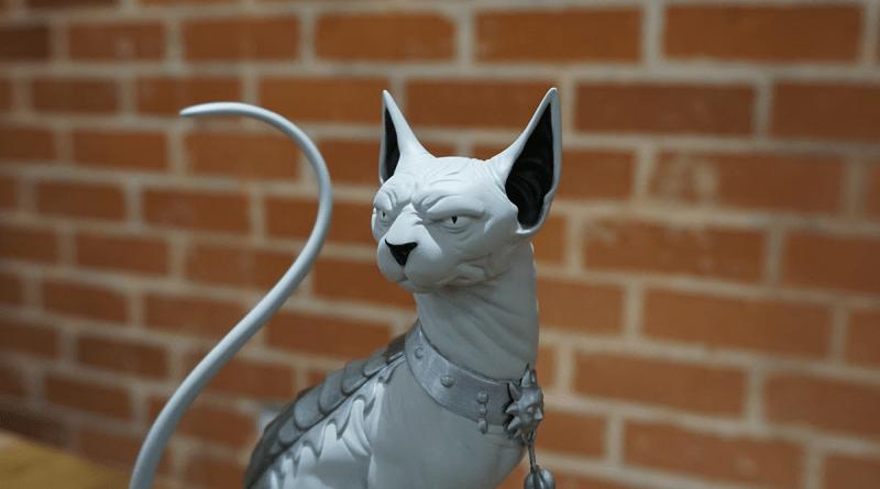 saga-lying-cat-statue-wide