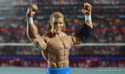 wwe-basic-sid-justice-arms-up