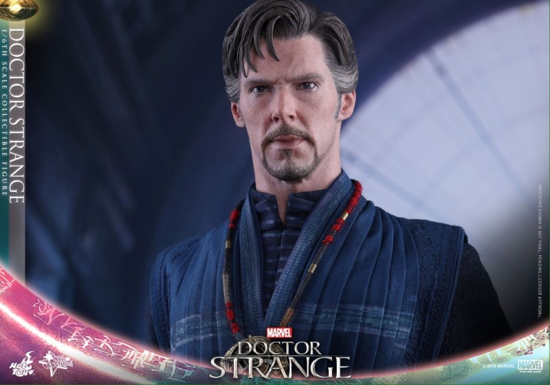 Hot Toys Doctor Strange - without cape