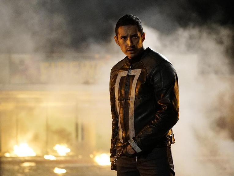 agents-of-shield-let-me-stand-next-to-your-fire-robbie-reyes