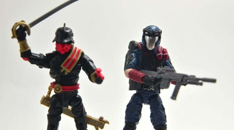 gi-joe-sinister-allies-set-review-iron-grenadier-and-viper