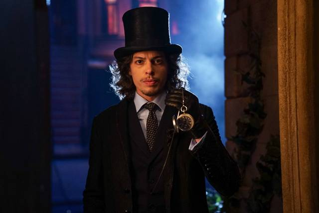 gotham-look-into-my-eyes-mad-hatter