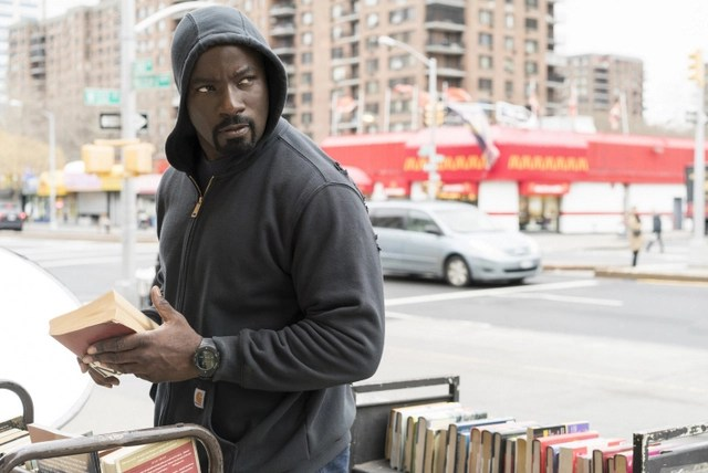 luke-cage-soliloquy-of-chaos-review-luke-scoping