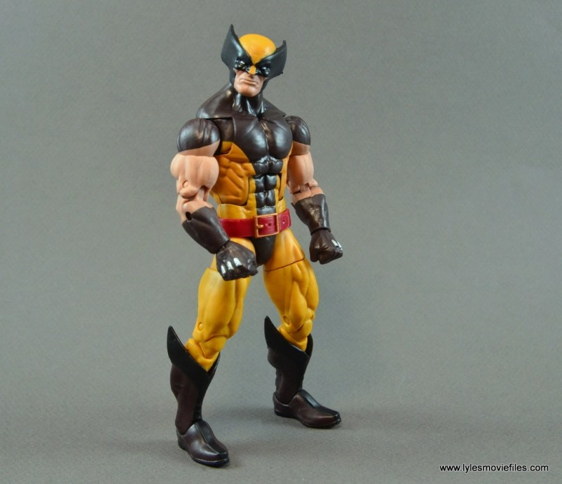 marvel-legends-wolverine-figure-review-pivoting