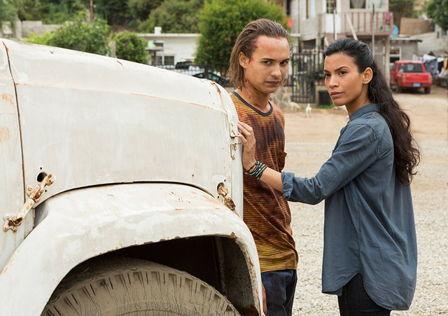 fear-the-walking-dead-wrath-nick-and-luciana