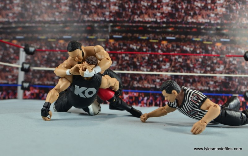 wwe-elite-43-samoa-joe-figure-review-crossface-to-kevin-owens