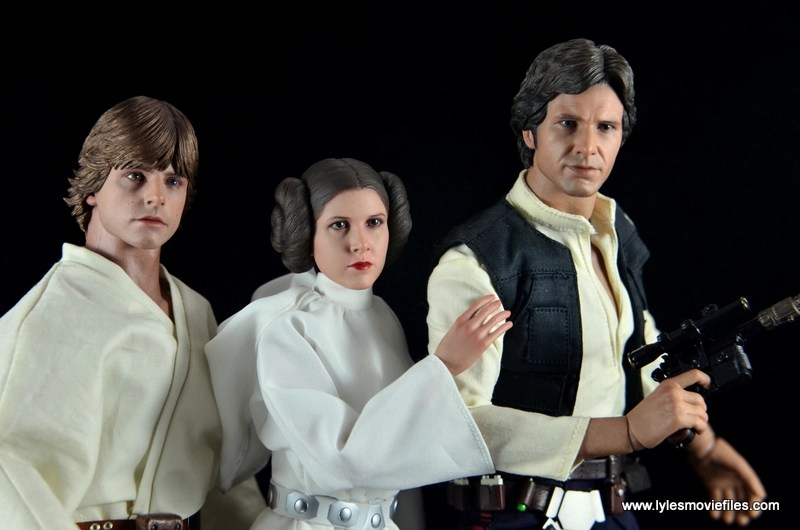 Hot Toys Princess Leia figure review - with Luke Skywalker and Han Solo