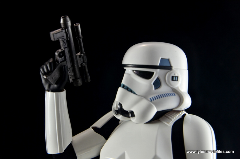 Hot Toys Stormtroopers figure review - smaller pistol
