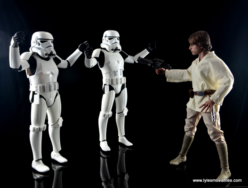 Hot Toys Stormtroopers figure review - surrendering to Luke Skywalker
