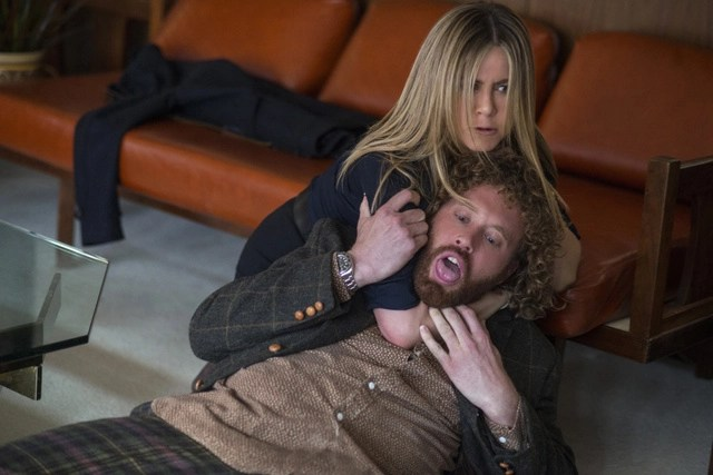 Office-Christmas-Party-review-TJ-Miller-and-Jennifer-Aniston