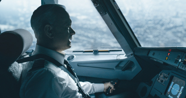 Sully-movie-review Sully flying
