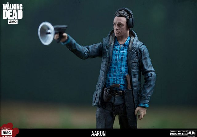 The Walking Dead Aaron Walgreens exclusive - wide shot
