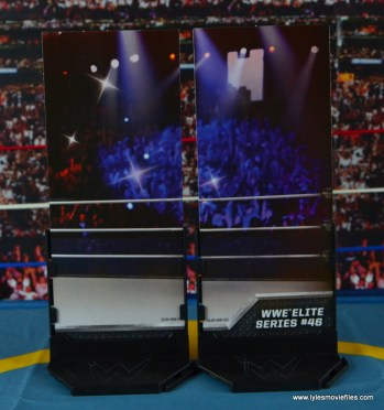 WWE Elite 46 Harlem Heat figure review - diorama stands