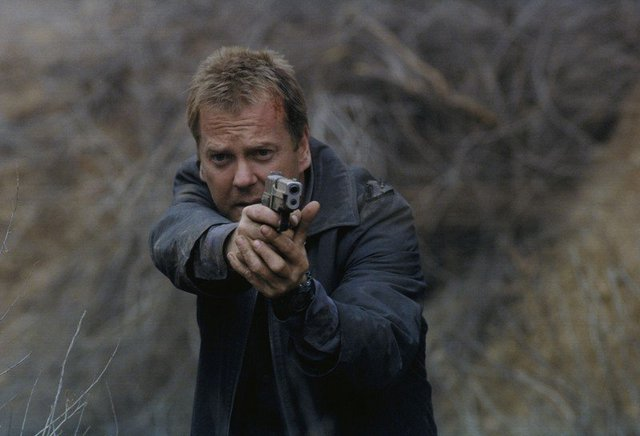 24: Season 2 review – Jack Bauer goes against the clock to stop a