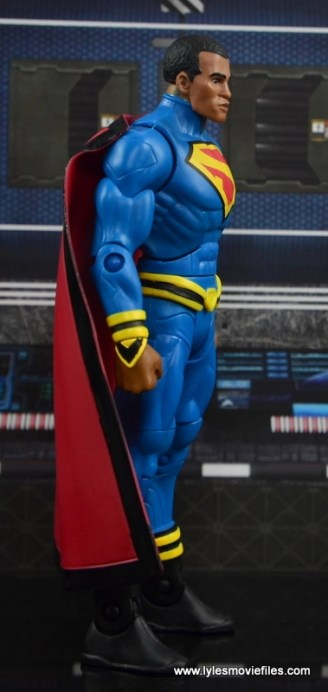 DC Multiverse Elite-23 Superman figure review - right side
