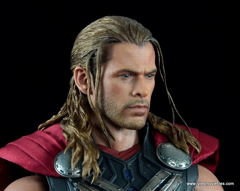 Hot Toys Thor figure review Avengers Age of Ultron -head close up