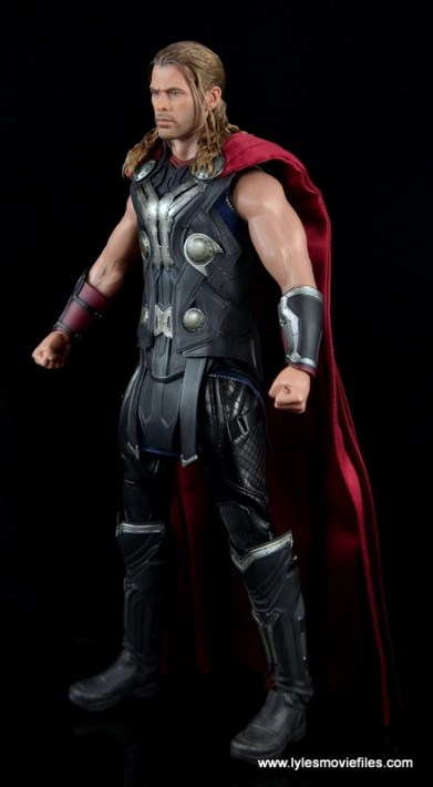 Hot Toys Thor figure review Avengers Age of Ultron -left side