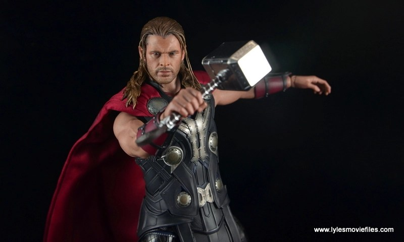 Hot Toys Thor figure review Avengers Age of Ultron - ready for battle