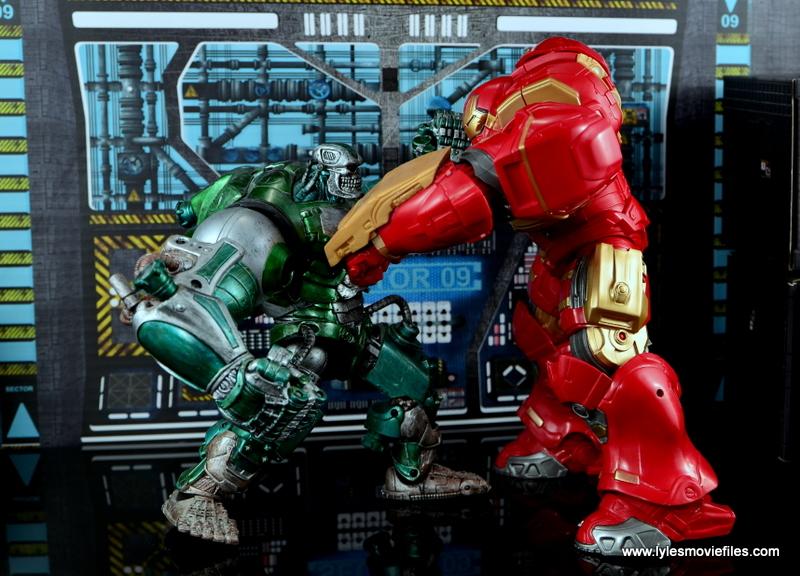 Marvel Legends Hulkbuster Iron Man figure review - vs Mecha Hulk