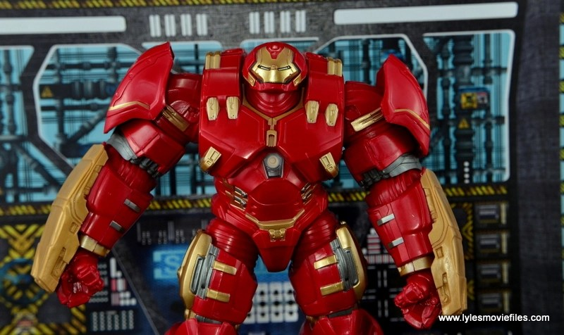 Marvel Legends Hulkbuster Iron Man figure review - wide pic