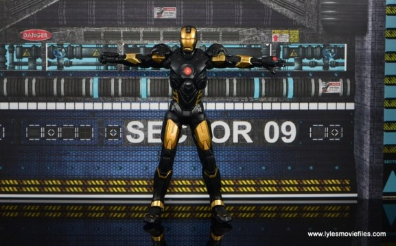 Marvel Legends Marvel Now Iron Man figure review - arms out