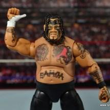 WWE Elite 40 Umaga figure review - thumbs up